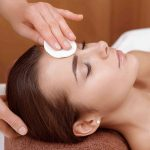 Deep facial cleansing and skin analysis